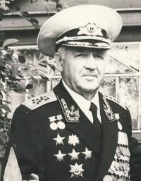 Начальник МТО ЧФ (1960-1969) и УПВ ВМФ (1975-1985) вице-адмирал Бутов С.А.