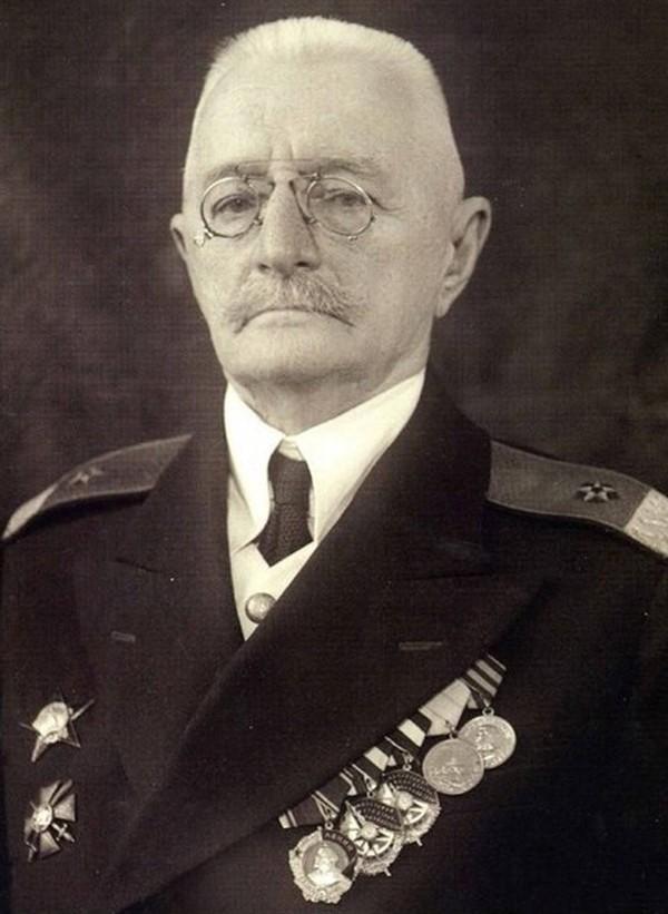 КИТКИН Петр Павлович (1877-1954)